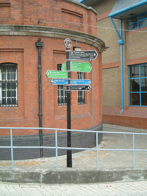 The signpost at the start of the Ring, at the entrance to the Woolwich foot tunnel